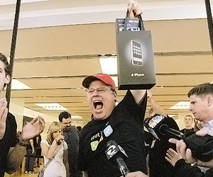 Robert Scoble Becomes First To Own The iPhone - Mercury News